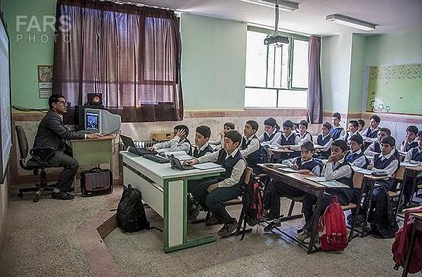 کلاسهای درس هوشمند در دماوند+تصاویر
