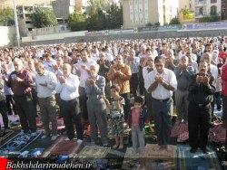 نماز باشکوه عید فطر در رودهن اقامه شد