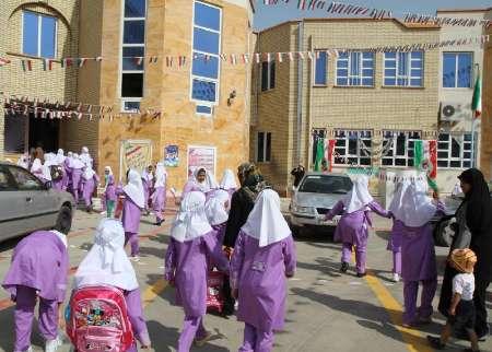 فضاهای آموزشی رودهن متناسب با جمعیت شهر نیست