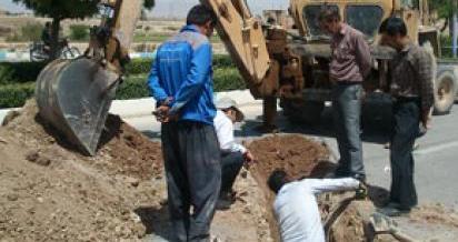 عملیات خارج نمودن لوله آزبست در شهر کیلان