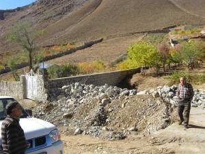 آزادسازی ۲۰۰ متر مربع از بستر مسیل در منطقه اسب چران دماوند