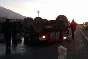 کامیون، راننده خواب آلودش را له کرد + تصاویر و فیلم