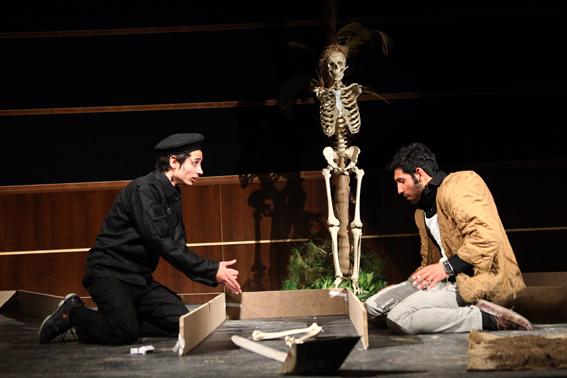 اجرای تئاتر نمایشی «روز با شکوه آقای گورکن» در دماوند