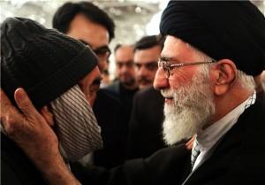 حاج رجب محمدزاده جانباز ۷۰ درصد با رهبر معظم انقلاب دیدار کرد