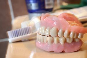 تعطیلی یک مؤسسه لابراتوار دندانسازی در دماوند