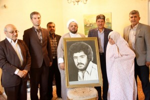 دیدار مسئولان دماوند با خانواده شهیدان حبیبی و ادریسی