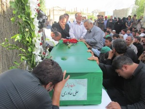 تشییع پیکر سومین شهید افغان مدافع حرم در آبسرد+فیلم و تصاویر