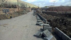 اجرای عملیات آسفالتریزی و جدولگذاری روستای لومان با اعتباری بالغبر ۲۰۰ میلیون تومان/بازسازی و تجهیز غسالخانه روستای لومان