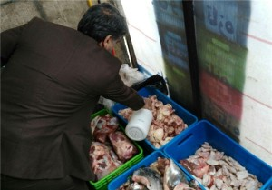 ضبط و معدومسازی ۲۰۰ کیلوگرم مواد پروتئینی در دماوند/ کشتار غیرمجاز توسط فروشگاه معروف در نزدیکی یکی از ادارههای شهر دماوند