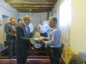 دیدار مسئولان کشوری با خانواده ۴ شهید در شهر کیلان+تصاویر