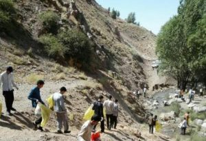 ۱۱۰ طلبه حوزه علمیه سیدالشهدا (ع) مشهد مقدس مهمان دماوند هستند/ متأسفانه کوه خواری در دماوند کاملاً مشهود است