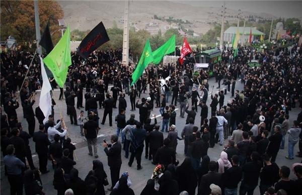 آیین دیرینه حمل نخل در هشتمین روز از ماه محرم در شهر کیلان+فیلم و تصاویر