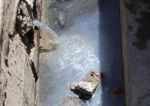 جلوگیری از ورود فاضلاب شهری به داخل جویهای آب در رودهن