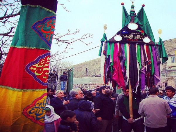 آیین علم گرداندن روستای سربندان دماوند با قدمت ۵۰۰ ساله