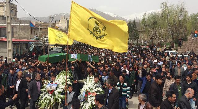 تشییع و خاکسپاری پیکر دو شهید مدافع حرم در شهر آبسرد+تصاویر