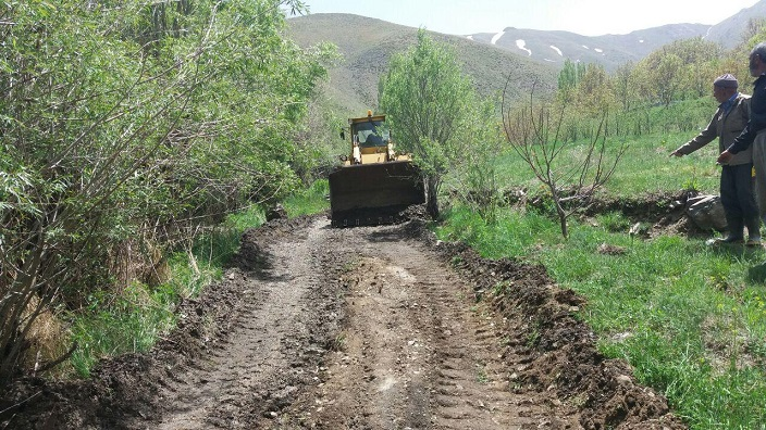 بازگشایی راه دسترسی روستای هویر به دریاچه تار و مزارع کشاورزی