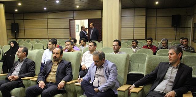 همایش دهیاران و شهرداران شهرستان دماوند به میزبانی شهر آبسرد برگزار شد