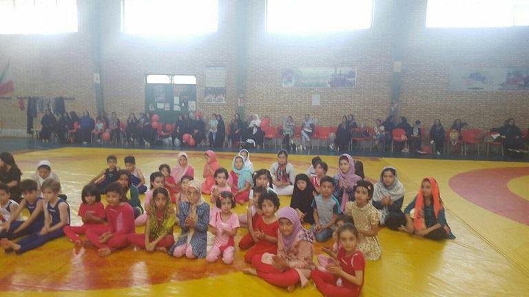 جشنواره ژیمناستیک ویژه خردسالان و نونهالان در شهر دماوند برگزار شد+تصاویر