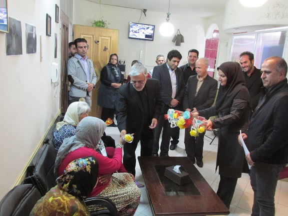 بازدید مسئولان از مرکز سالمندان شیرین در شهر رودهن/ شهرستان دماوند باید به عنوان پایلوت مرکز ارائه خدمات بهزیستی تبدیل شود