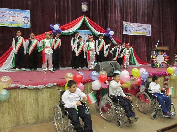 برگزاری جشن حمایت از دانشآموزان استثنایی مدارس در شهرستان دماوند به مناسبت گرامیداشت روز جهانی معلولان/ تحصیل ۱۰۰ نفر از دانش آموزان کم توان ذهنی در مدارساستثنایی شهرستان دماوند