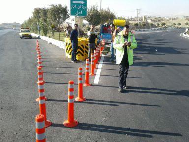 اجرای عملیات خطکشی مکانیزه خیابانها و معابر در شهر رودهن/ ساخت چهار عدد سرعتکاه در محدوده شهری
