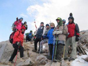 صعود موفقیتآمیز کوهنوردان شهرستان دماوند به قله ۳۵۰۰ متری دومیر