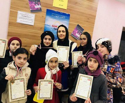 درخشش نونهالان شهرستان دماوند در جشنواره شنای استان تهران/ تیم شنای آویسابا کسب ۱۷ مدال رنگین موفقیت دیگری را برای شهرستان دماوند کسب کرد