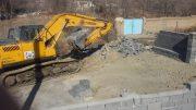 بستر و حریم یک مسیل در روستای مهرآباد بخش رودهن آزادسازی شد/ تخریب حدود ۱۰۰ متر دیوار دربستر و حریم نهر عمومی در شهر کیلان