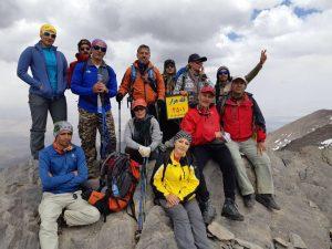 صعود و پیمایش کوهنوردان شهرستان دماوند به قلههای هزار و اشنهدر