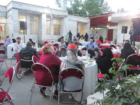 مراسم ضیافت افطاری در مجتمع خدمات بهزیستی شهید فیاضبخش شهر آبسرد