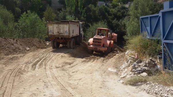 انجام خاکبرداری و آزادسازی اراضی بستر رودخانه آه/ تصرف توسط یکی از شرکت تعاونی شهرکهای شهر رودهن