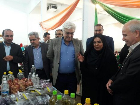 برپایی نمایشگاه دستاورد بانوان و پوشاک در شهر رودهن