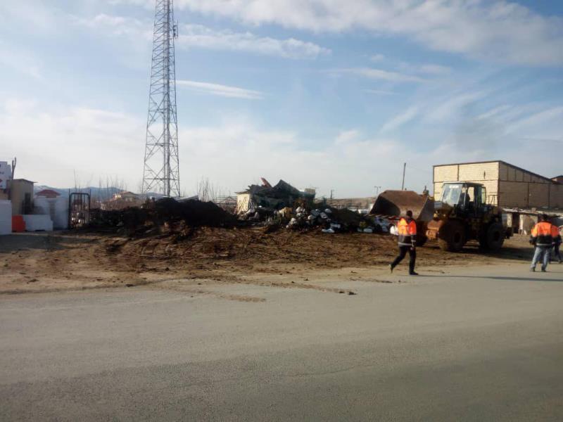 پاکسازی و تخریب ساخت و سازهای و غیرمجاز در مجاورت بزرگراه رودهن-دماوند
