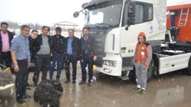 تصویر از شهردار آبسرد خبر داد؛  تجهیز ناوگان شهرداری آبسرد به کامیون کشنده دانگ فنگ