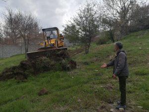 سقوط یک راس گاو به داخل چاه ۵ متری در روستای کالدشتپایین دماوند (1)
