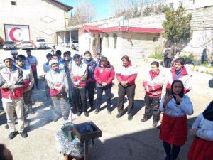 کانون طلاب جمعیت هلال احمر دماوند به مناطق سیلزده کشور (9)