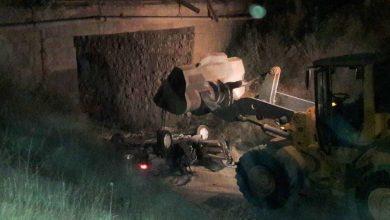 تصویر از یک فوتی در اثر سقوط سواری پژو به پرتگاهی در حاشیه کمربندی کیلان به سمت ایوانکی