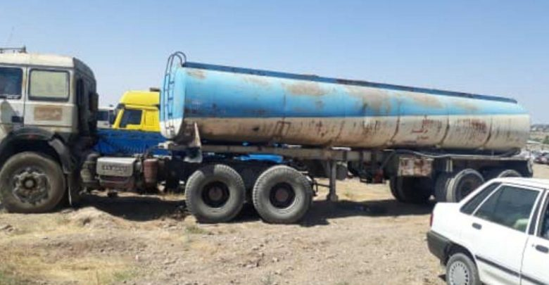 توقیف یک دستگاه تریلر آب فروشی در حوالی روستای آیینهورزان