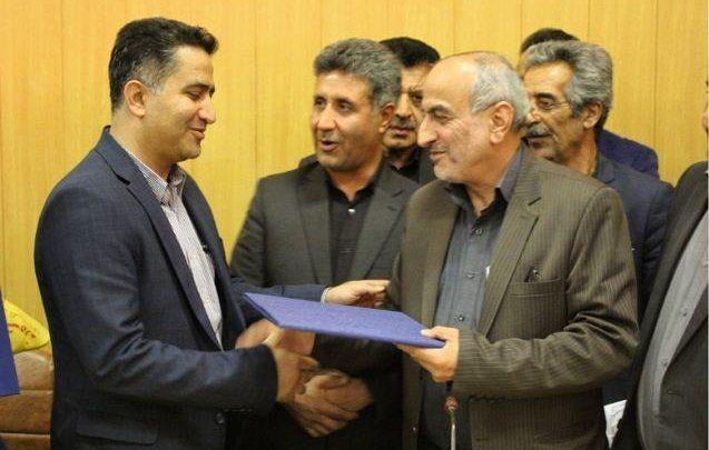 «آرش آقاجان احمدی» به عنوان رئیس اداره صنعت، معدن و تجارت دماوند (1)