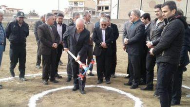 تصویر از در دهمین روز از دهه مبارک فجر؛  کلنگ پروژه زمین فوتبال روستای مهرآباد بخش رودهن به زمین خورد
