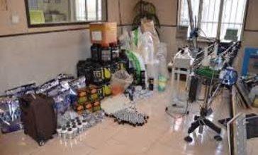 تصویر از رئیس حوزه قضایی بخش رودهن خبر داد؛  کشف کارگاه تولید داروهای بدنسازی غیرمجاز در رودهن